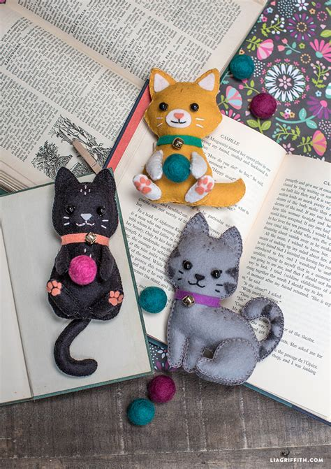 diy cat crafts diy felt craft kittens felting craft and cat