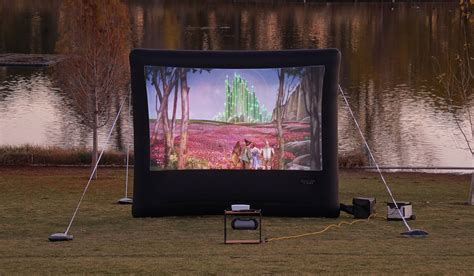 Backyard Projector Screen by Outdoor How To Set Up Your Own Backyard Theater Systems
