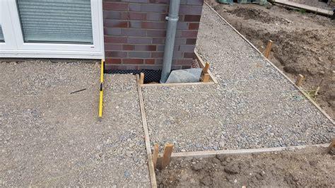 keramikplatten in splitt verlegen anleitung keramik terrassenplatten verlegen so geht s