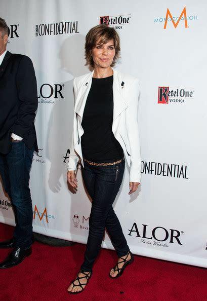 lisa rinna is so thin she looks anorexic lisa rinna skinny jeans lisa rinna looks stylebistro