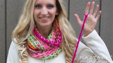 crochet infinity scarf tutorial beginner diy tutorial how to finger crochet easy simple