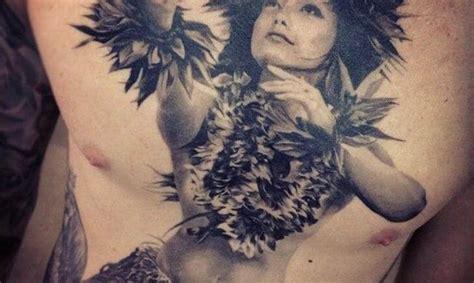 la popularidad de los tatuajes hawaianos tatuajes