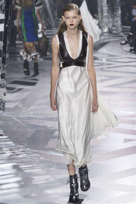 Loise Dress selena gomez swaps glam met gala look for comfy