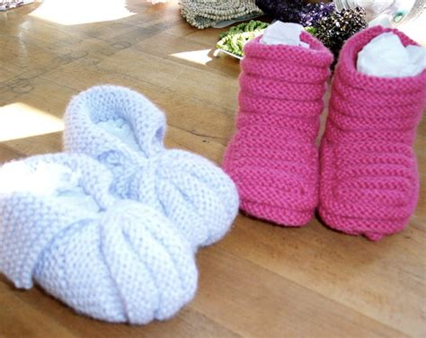 knitting baby socks two needles how to knit baby booties with four needles