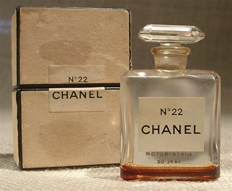 Chanel No 22 Ori Reject chanel no 22 the next step from no 5 for ernest beaux and coco chanel