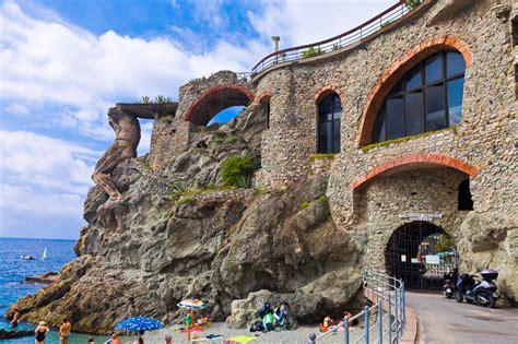 cinque palazzo di san galgano monterosso al mare sp paesaggio italiano