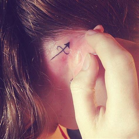 tattoo behind ear girl 20 behind the ear tattoos for girls