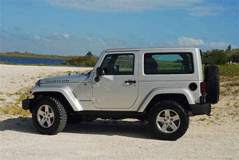 small jeep white 100 cars 187 archive 187 2013 jeep wrangler rubicon 2
