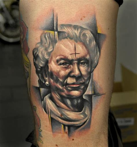 tattoo queen elizabeth queen elizabeth by benjamin laukis tattoonow