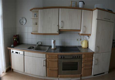 Musterküchen Kaufen by Gelb Lackiert Wohnzimmer