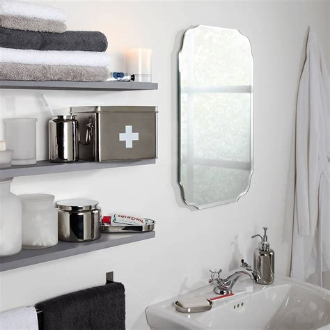 25 ideas of vintage style bathroom mirrors
