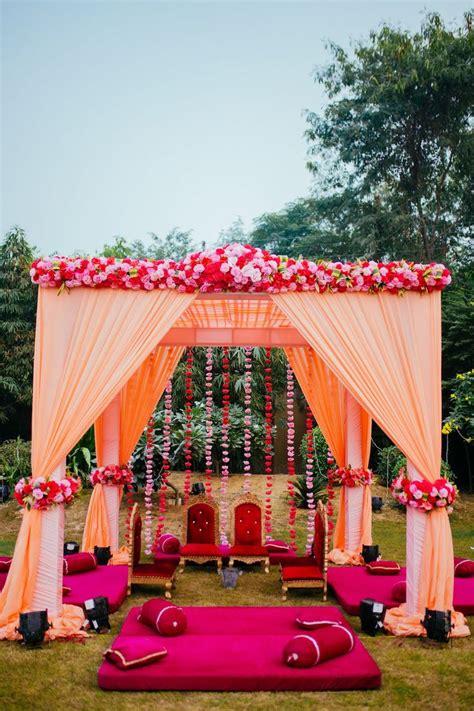 love  tulikas beautiful spring wedding