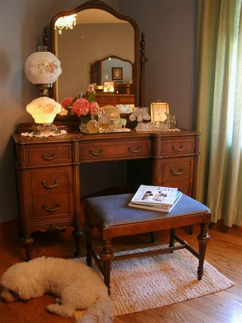 Fashioned Bedroom Vanity by Your Guide To 1940s Furniture Design Nonagon Style