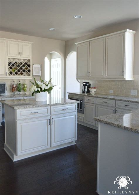 kitchen cabinets with light granite countertops 25 best ideas about giallo ornamental granite on