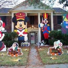 Disney Decorated Homes by 1000 Images About Disney Christmas On Pinterest Disney