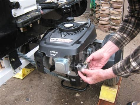 Small Motor Mechanic by Small Engine Repair Homesteading And Livestock Earth News
