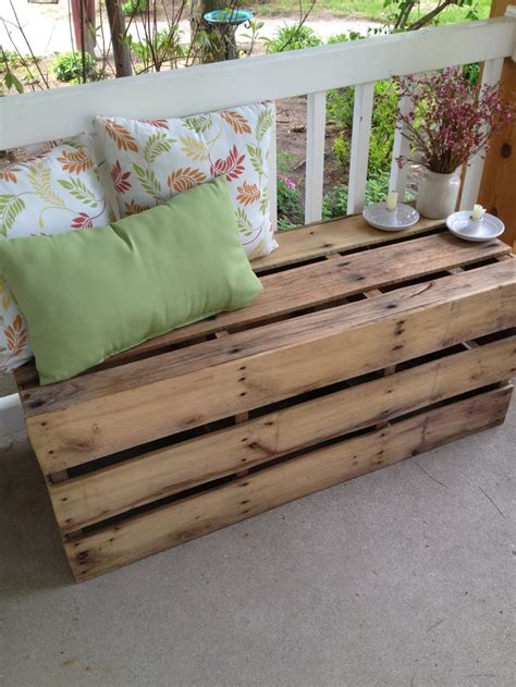 pallet bench pinterest pallet bench just a thought palletable pinterest
