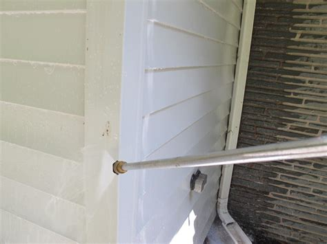 best way to clean vinyl siding on a house learn the best way to clean vinyl siding how tos diy