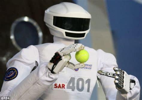 film robot espace le robot russe sar 401 con 231 u pour travailler dans l espace