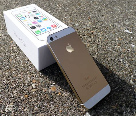 iphone 5s gold gold iphone 5s selling for as high as 1800 on ebay redmond pie