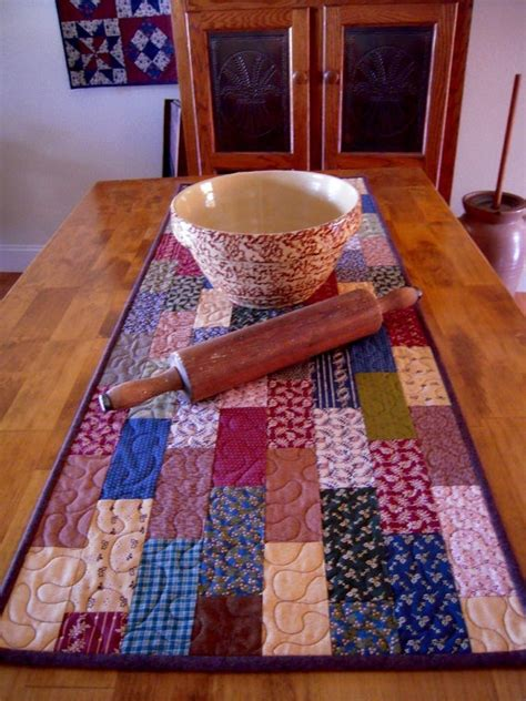 Patchwork Table Runner Pattern - 25 best ideas about patchwork table runner on