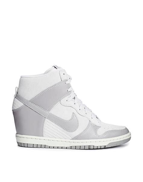 Sneakers Wedges Nike Sky High Dunk Grade Ori nike dunk sky high beige traffic school
