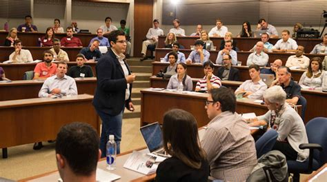Chicago Booth Mba Linkedin by How Booth Is Redefining The Pre Mba Summer