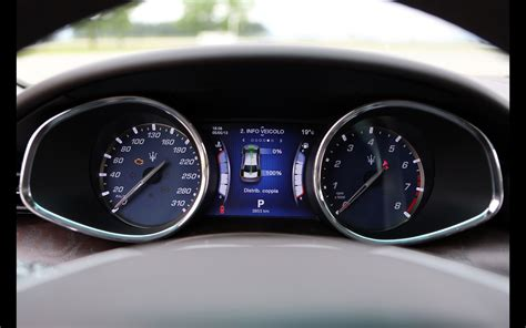 maserati levante dashboard 2017 maserati levante speedo carsautodrive