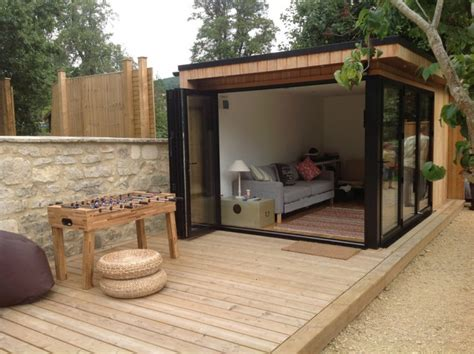 Home And Garden Design A Room Stilfuldt Havehus Med L 230 Kker Finish Alt Omkring Havehuse