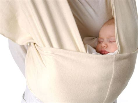fascia per portare neonati 8 benefici della fascia portabeb 232 per mamma e bambino