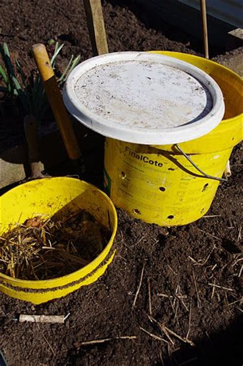 ground worm compost farm  garden pinterest farms compost  worms
