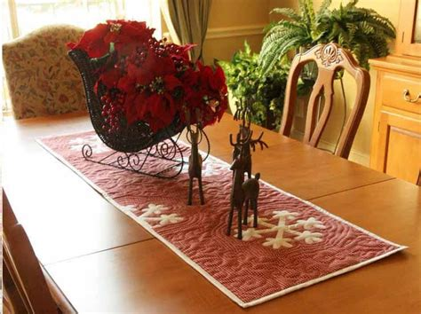 snowflake quilt pattern table runner 15 free quilted gift patterns on craftsy