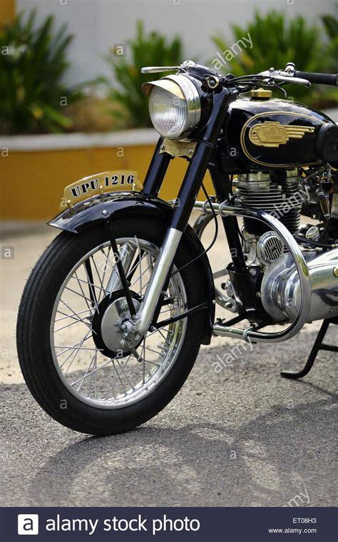 Oldtimer Motorrad Royal Enfield by Royal Enfield 350 Bullet Stockfotos Royal Enfield 350
