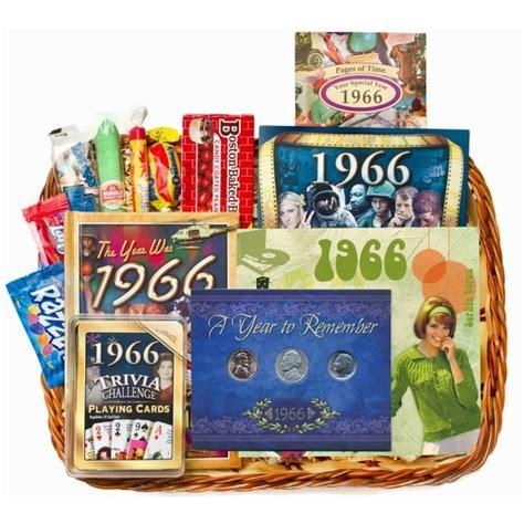 Wedding Anniversary Gift Basket Ideas by 25 Unique Anniversary Gift Baskets Ideas On