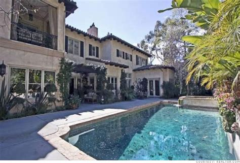 Britneys Real Estate Woes by Inside Estate The Pool 4 Cnnmoney
