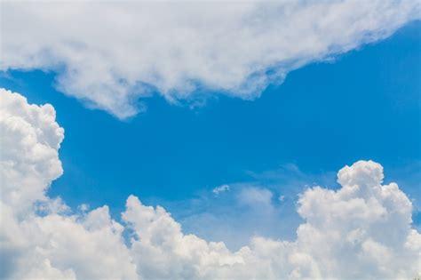 imagenes nubes blancas cielo con nubes blancas descargar fotos gratis