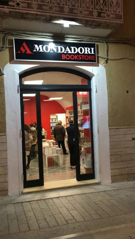 libreria mondadori como a manfredonia il primo quot mondadori book store quot quot chi legge