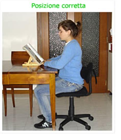 posizione corretta sedia schiena posizioni corette