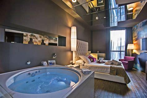 habitacion suite con jacuzzi hoteles con jacuzzi en barcelona shbarcelona diario de