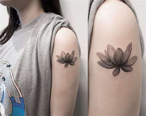 x ray flower tattoo on the left inner arm tattoo artist 8 547 likes 28 comments 타투이스트 홍담 ilwolhongdam on