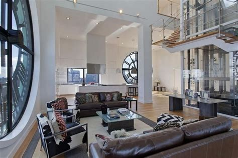 Weekly Room Rentals Nyc by Cher S 1970 S Beverly Mansion Porsche Design Tower