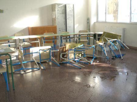 comune di san giorgio a cremano ufficio tecnico vandali nella scuola co di carne 2 chiusura per tre