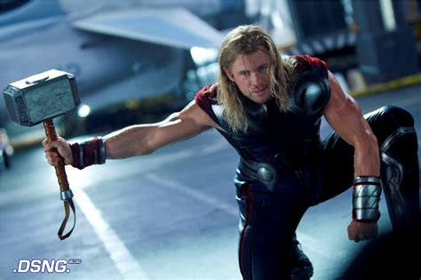 thor s dsng s sci fi megaverse the avengers 2012 movie review