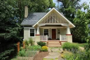 Cottage Style Roof Design Gracious Front Porch