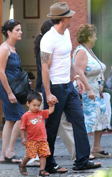 Madre Con Hijo En Hotel Xxxxxx   las vacaciones de alice y nicolas cage con su hijo kal el