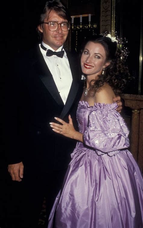 jane seymour new boyfriend jane seymour says she s close with all four ex husbands as