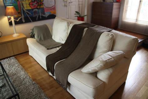 comment décrasser un canapé en cuir idee deco salon beige taupe