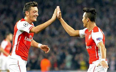 Alexis Sanchez And Mesut Ozil   stats prove arsenal s mesut ozil is better than angel di