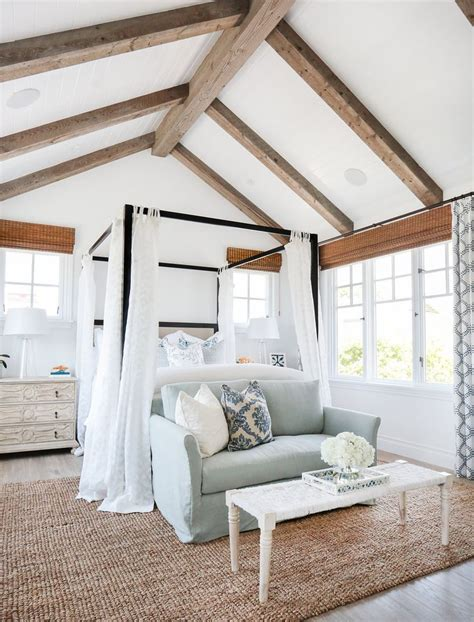 Cathedral Ceilings With Wood Beams by Best 25 Cathedral Ceiling Bedroom Ideas On