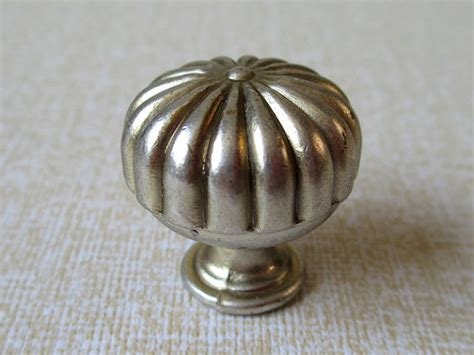 Small Door Knobs by Small Cabinet Knobs Dresser Knob Drawer Knobs By Lynnshardware